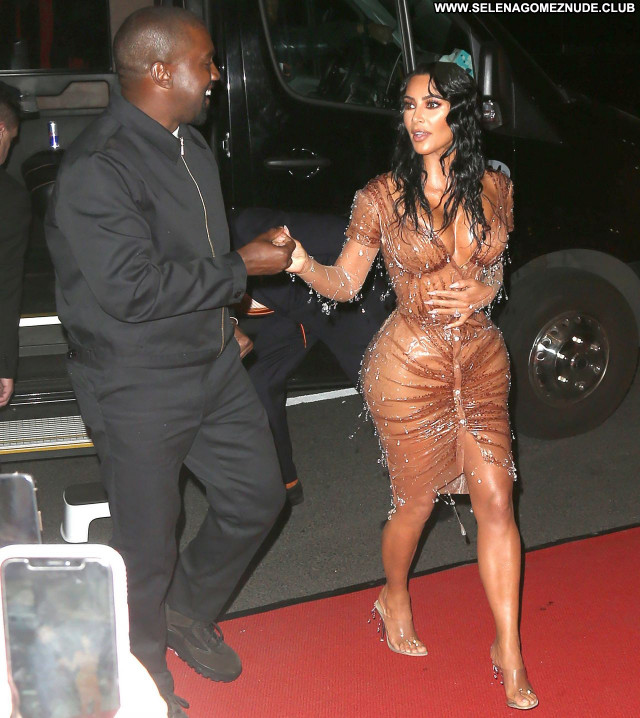 Kim Kardashian No Source Sexy Posing Hot Celebrity Babe Beautiful