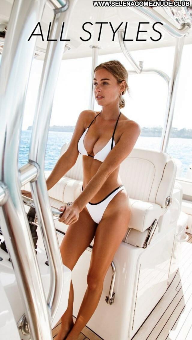Elizabeth Turner No Source Posing Hot Babe Sexy Celebrity Beautiful