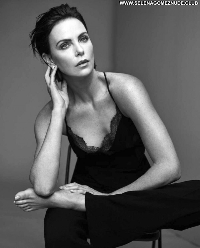 Charlize Theron No Source Babe Beautiful Posing Hot Celebrity Sexy