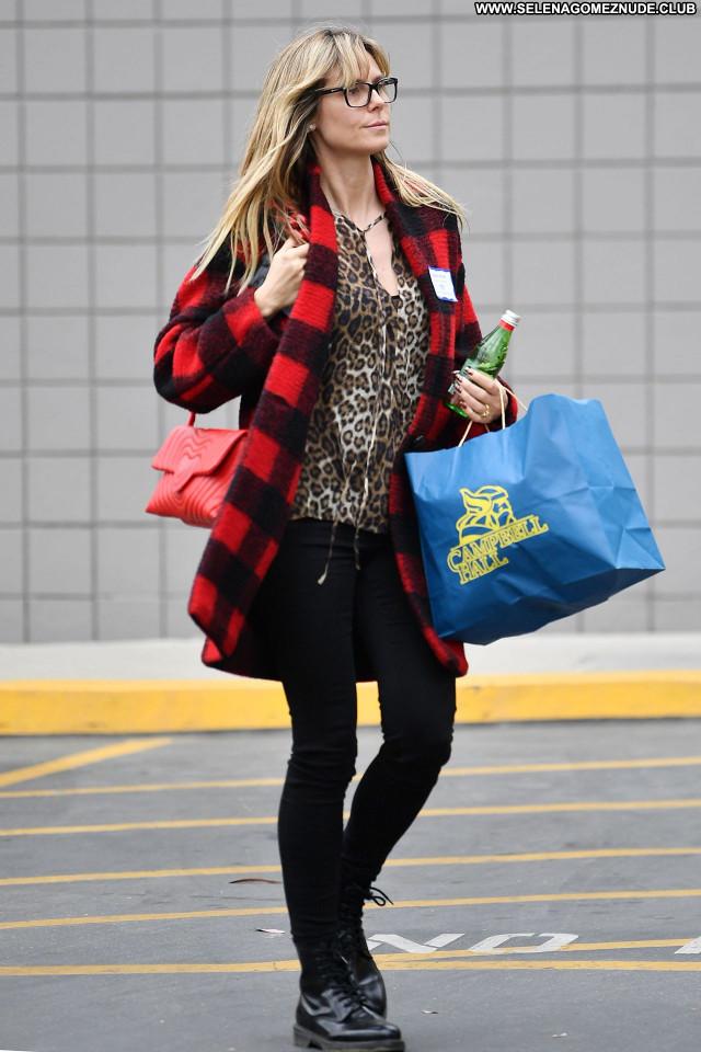 Heidi Klum No Source Posing Hot Celebrity Beautiful Babe Sexy