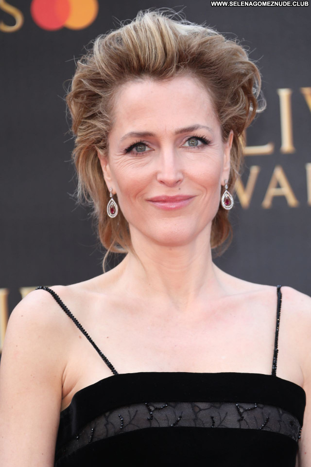 Gillian Anderson No Source Posing Hot Celebrity Babe Sexy Beautiful