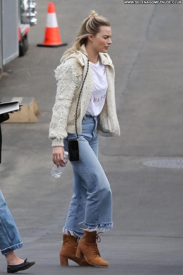 Margot Robbie No Source  Celebrity Babe Beautiful Sexy Posing Hot