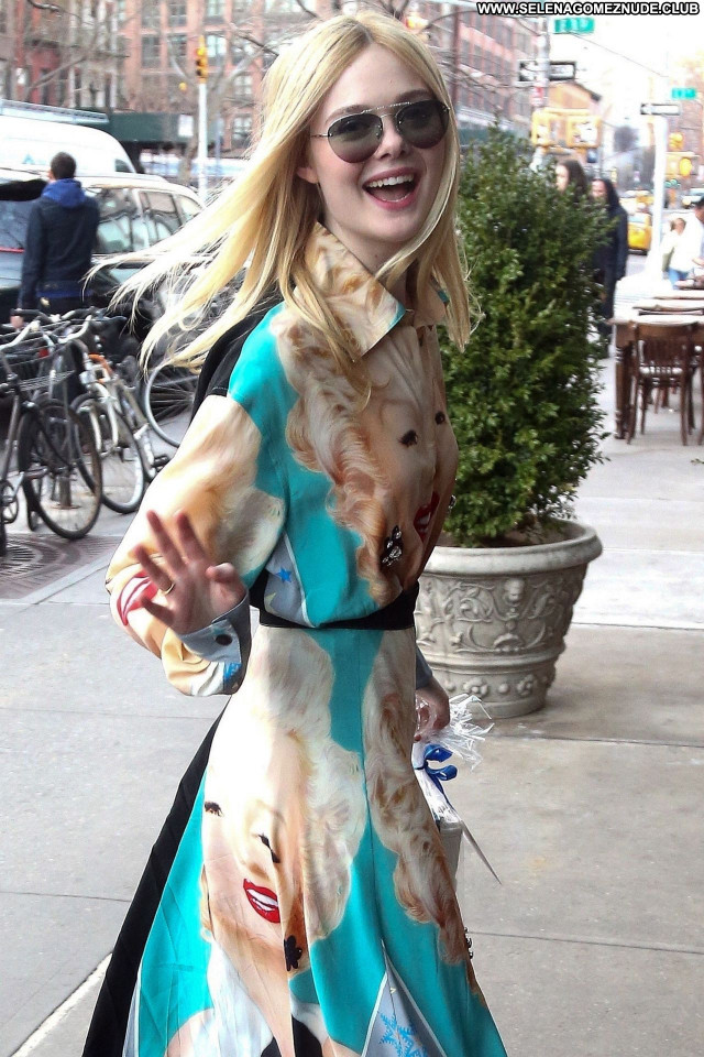 Elle Fanning No Source Sexy Posing Hot Babe Celebrity Beautiful