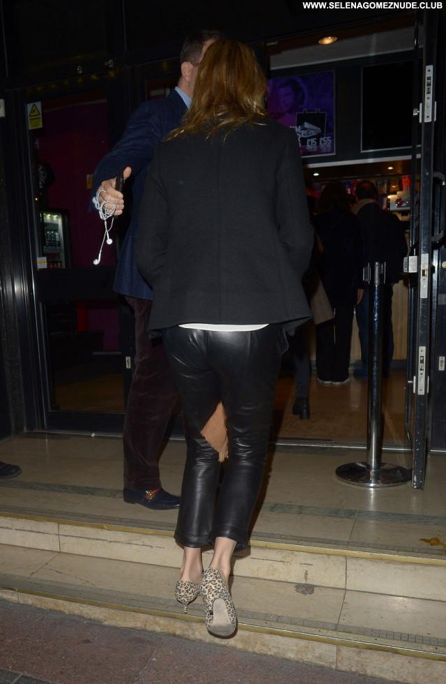 Uma Thurman No Source  Babe Beautiful Sexy Celebrity Posing Hot