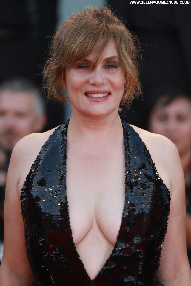 Emmanuelle Seigner No Source Babe Posing Hot Celebrity Sexy Beautiful