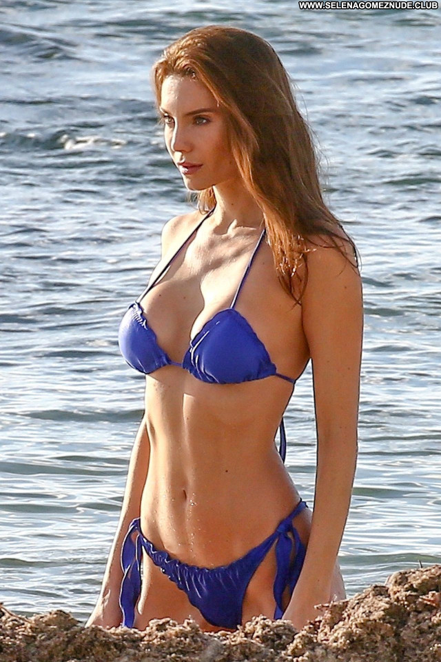 Julia Pereira No Source Posing Hot Sexy Babe Celebrity Beautiful