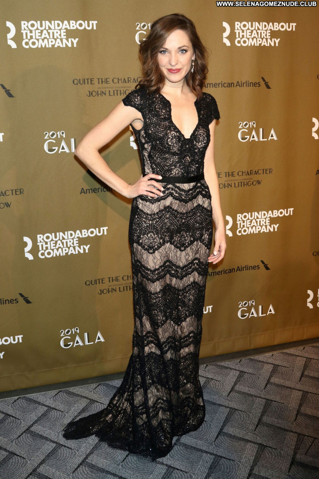 Laura Osnes No Source Celebrity Sexy Babe Beautiful Posing Hot