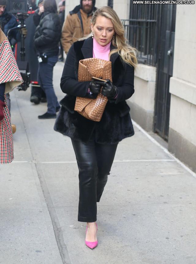 Hilary Duff No Source Sexy Posing Hot Beautiful Celebrity Babe