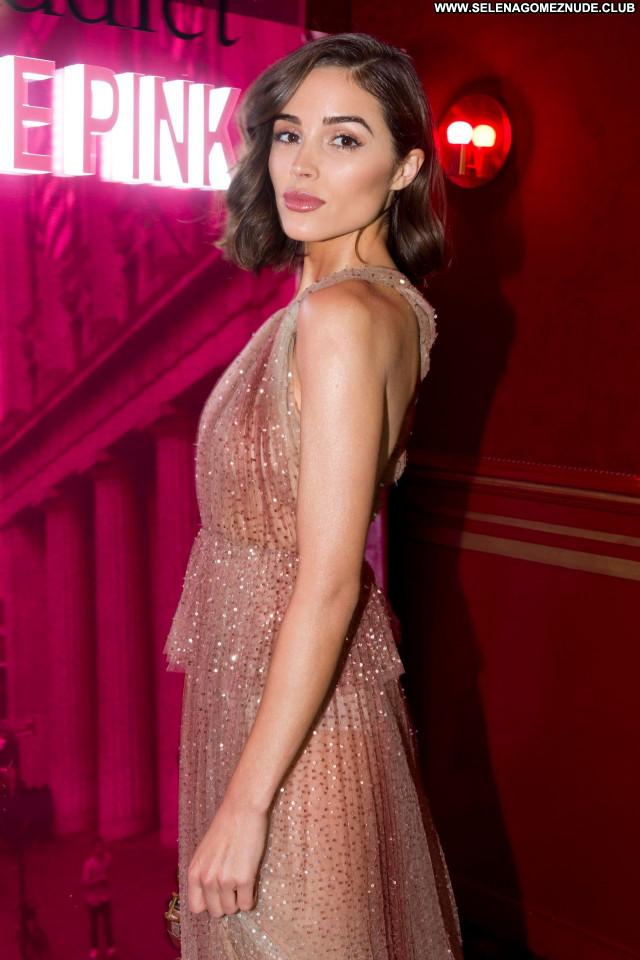 Olivia Culpo No Source Sexy Babe Posing Hot Beautiful Celebrity