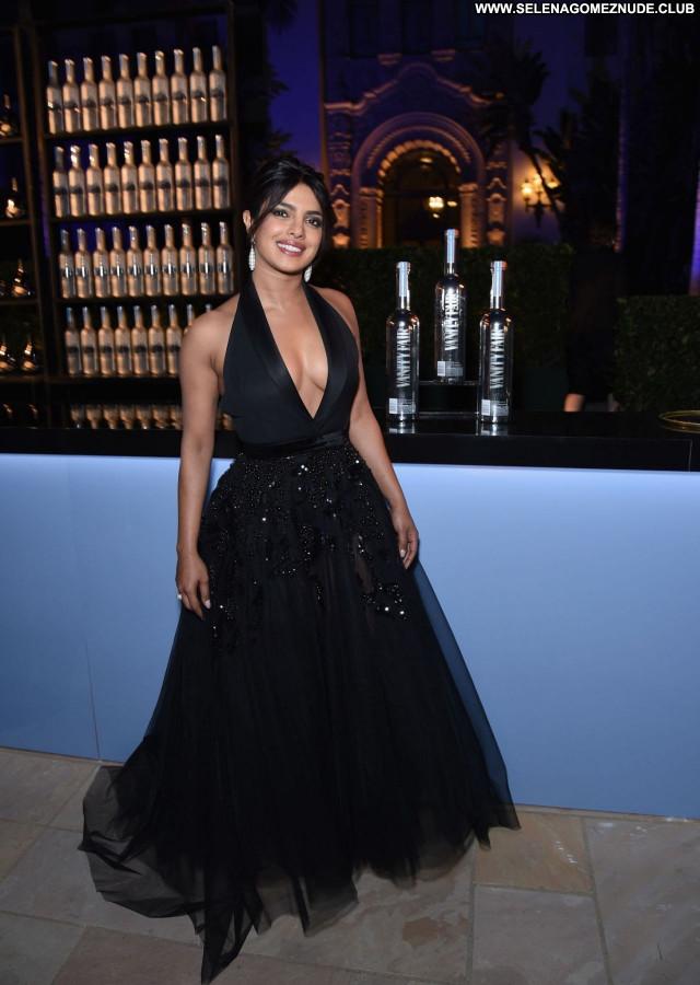 Priyanka Chopra No Source Babe Sexy Celebrity Beautiful Posing Hot