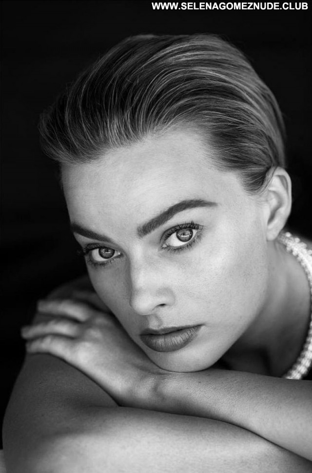 Margot Robbie No Source  Beautiful Celebrity Babe Sexy Posing Hot