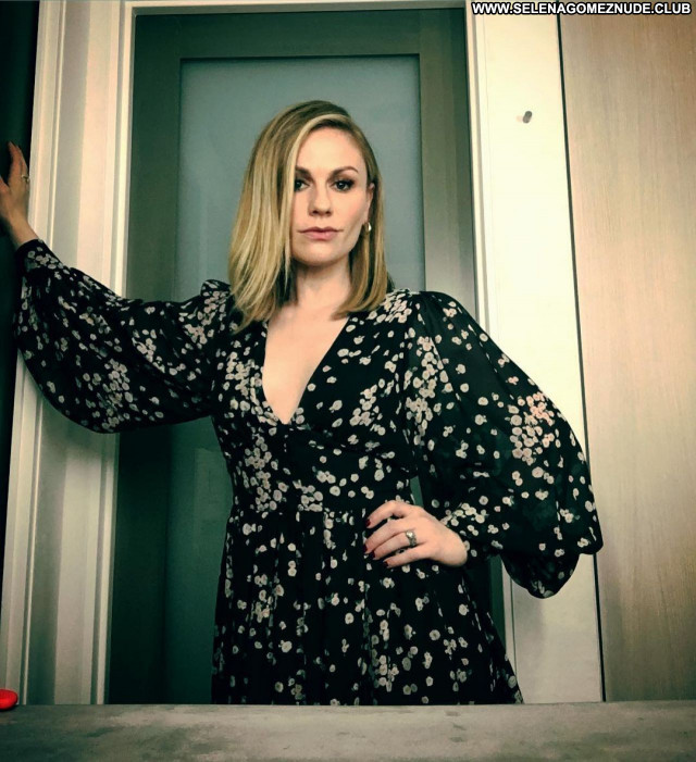 Anna Paquin No Source Posing Hot Celebrity Beautiful Babe Sexy