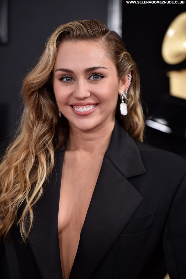 Miley Cyrus No Source Celebrity Posing Hot Beautiful Sexy Babe