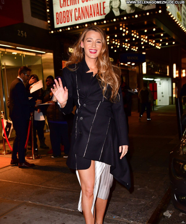 Blake Lively No Source Beautiful Celebrity Sexy Babe Posing Hot