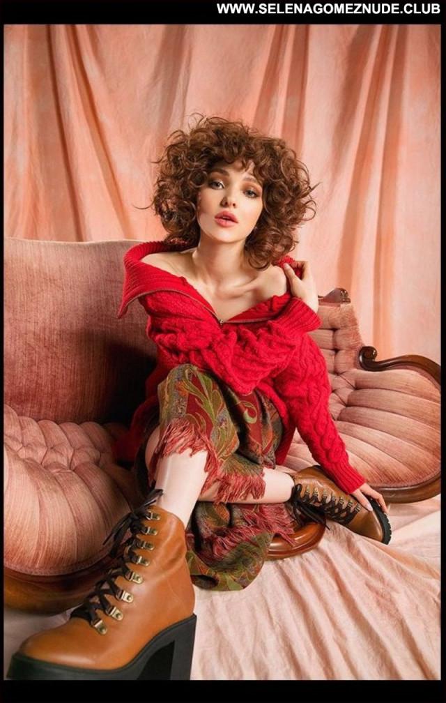 Dove Cameron No Source Posing Hot Sexy Celebrity Beautiful Babe
