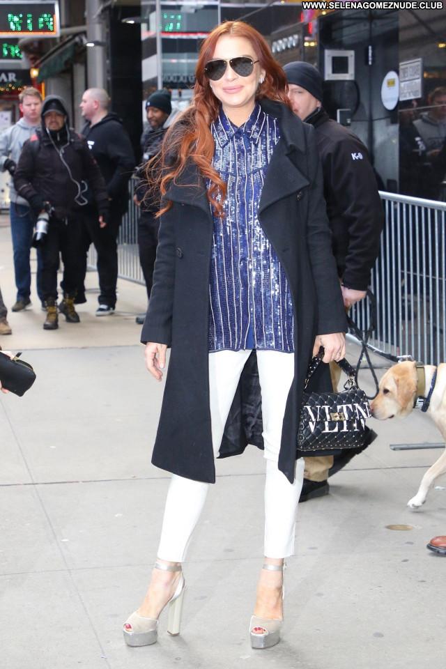 Lindsay Lohan No Source  Sexy Posing Hot Celebrity Babe Beautiful