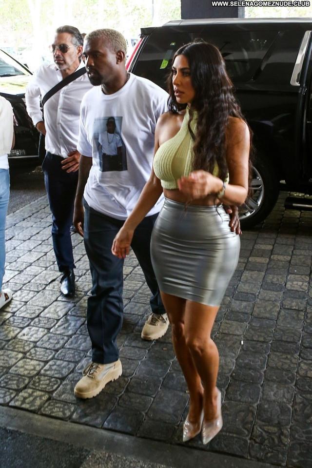 Kim Kardashian No Source Babe Celebrity Posing Hot Beautiful Sexy
