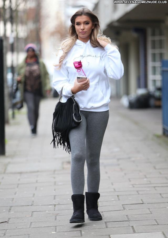 Zara Mcdermott No Source Posing Hot Beautiful Celebrity Babe Sexy