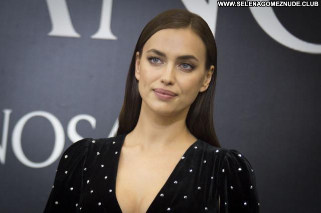 Irina Shayk No Source  Babe Celebrity Beautiful Sexy Posing Hot