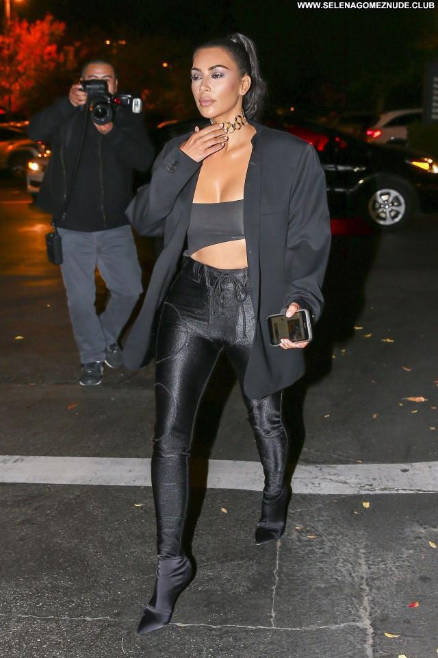 Kim Kardashian No Source Beautiful Posing Hot Celebrity Sexy Babe