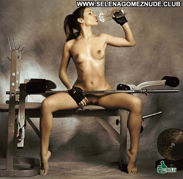 Fit Girls No Source Photoshoot Celebrity Beautiful Rich Female Posing