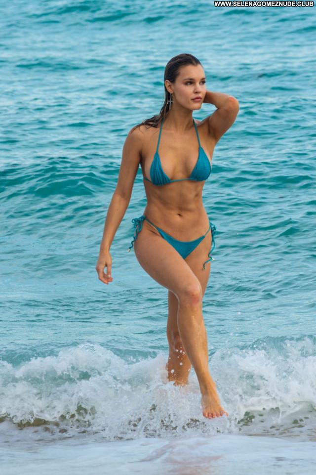 Joy Corrigan No Source Babe Beautiful Sexy Posing Hot Celebrity
