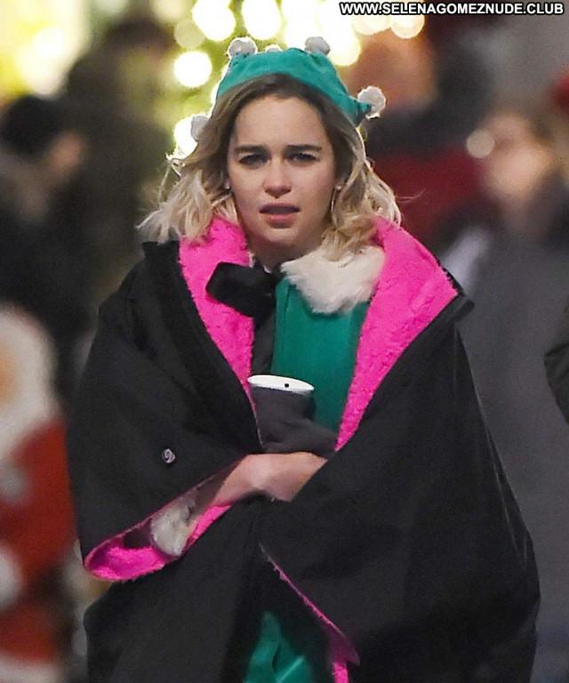 Emilia Clarke No Source  Beautiful Posing Hot Celebrity Babe Sexy