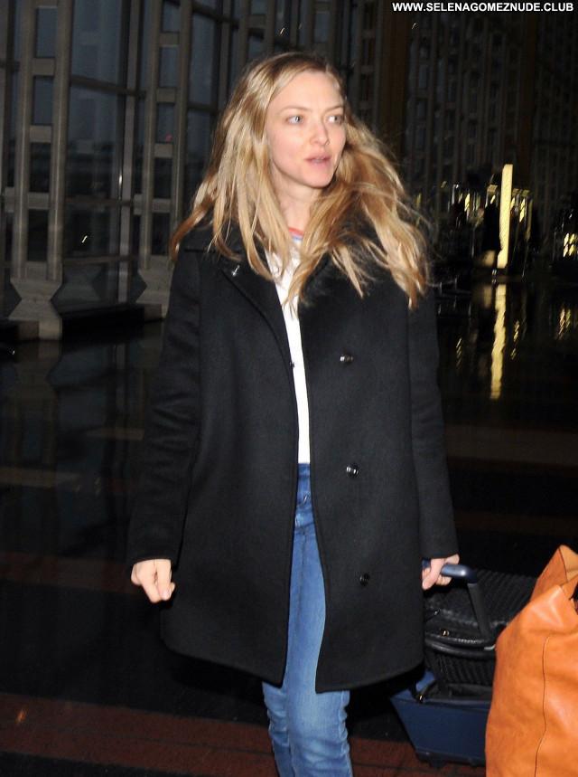 Amanda Seyfried No Source Beautiful Posing Hot Sexy Celebrity Babe