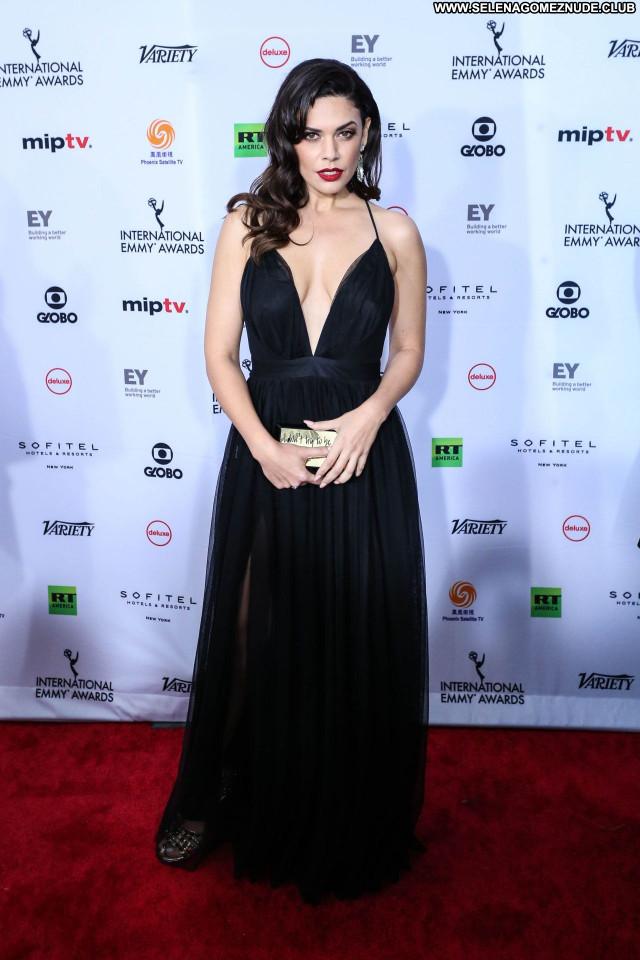 Emmy Awards No Source Posing Hot Sexy Beautiful Babe Celebrity