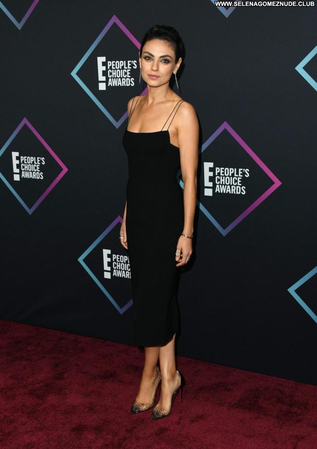 Mila Kunis No Source Posing Hot Beautiful Celebrity Sexy Babe