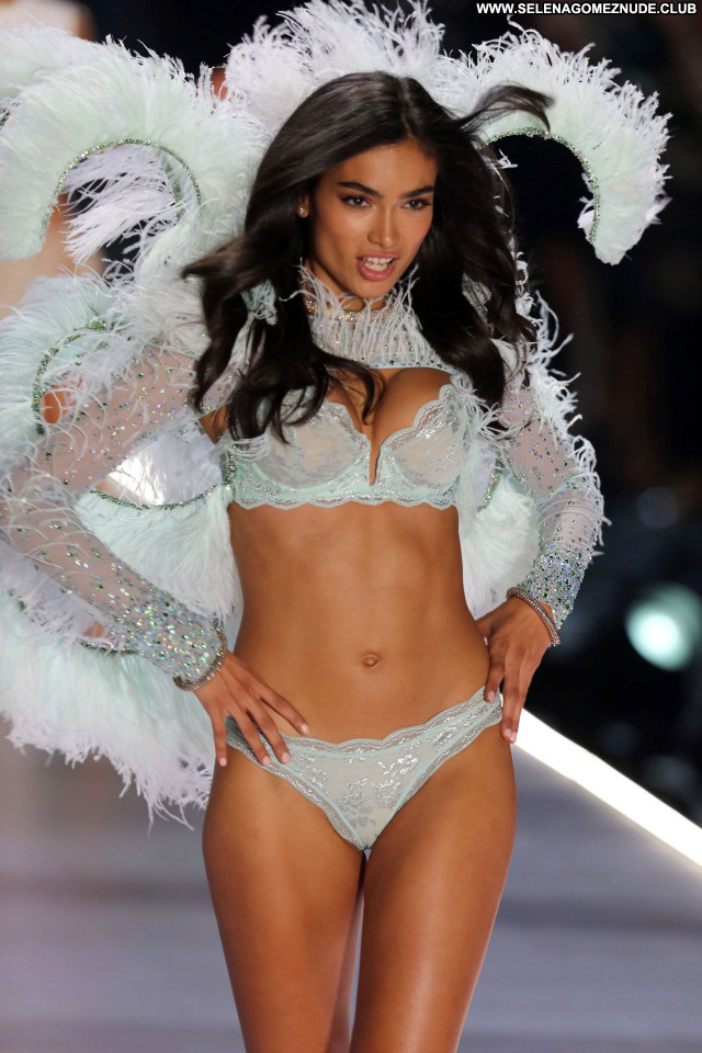 Kelly Gale No Source Sexy Babe Celebrity Beautiful Posing Hot