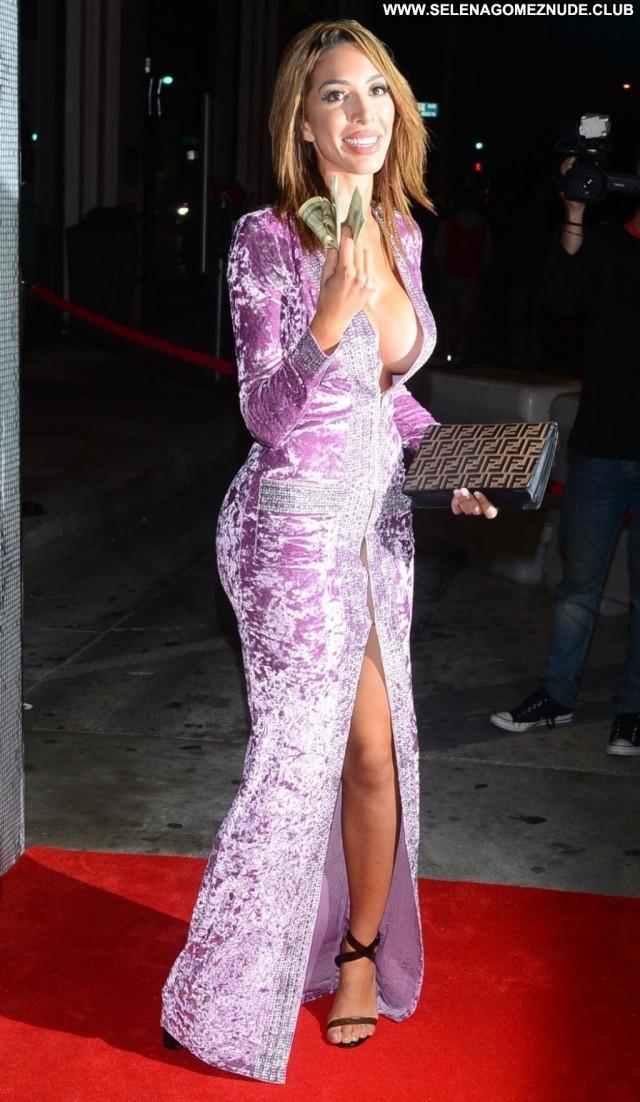 Hailey Baldwin No Source  Sexy Babe Posing Hot Beautiful Celebrity