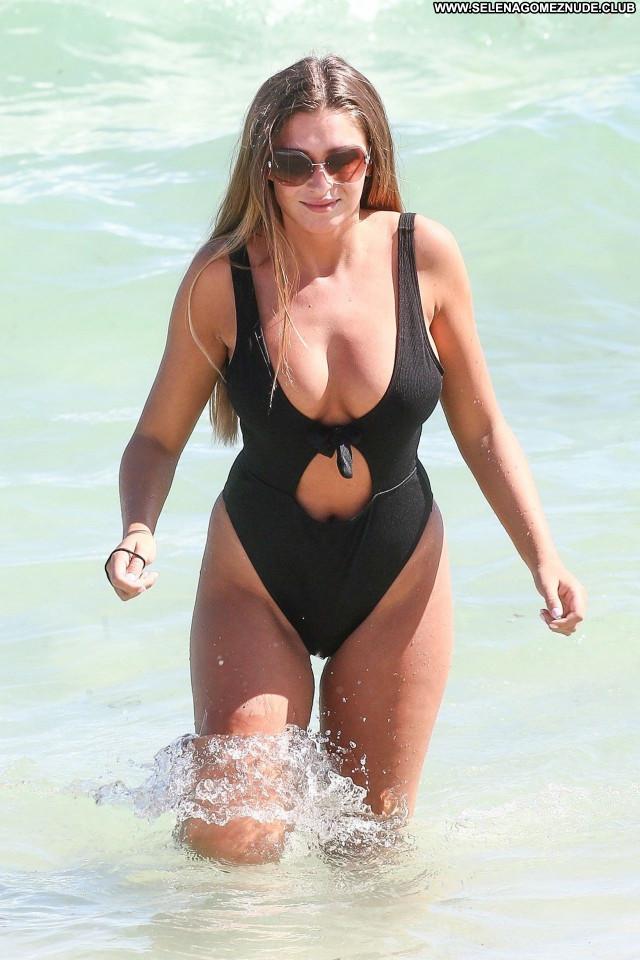 Zara Mcdermott No Source Celebrity Beautiful Posing Hot Babe Sexy