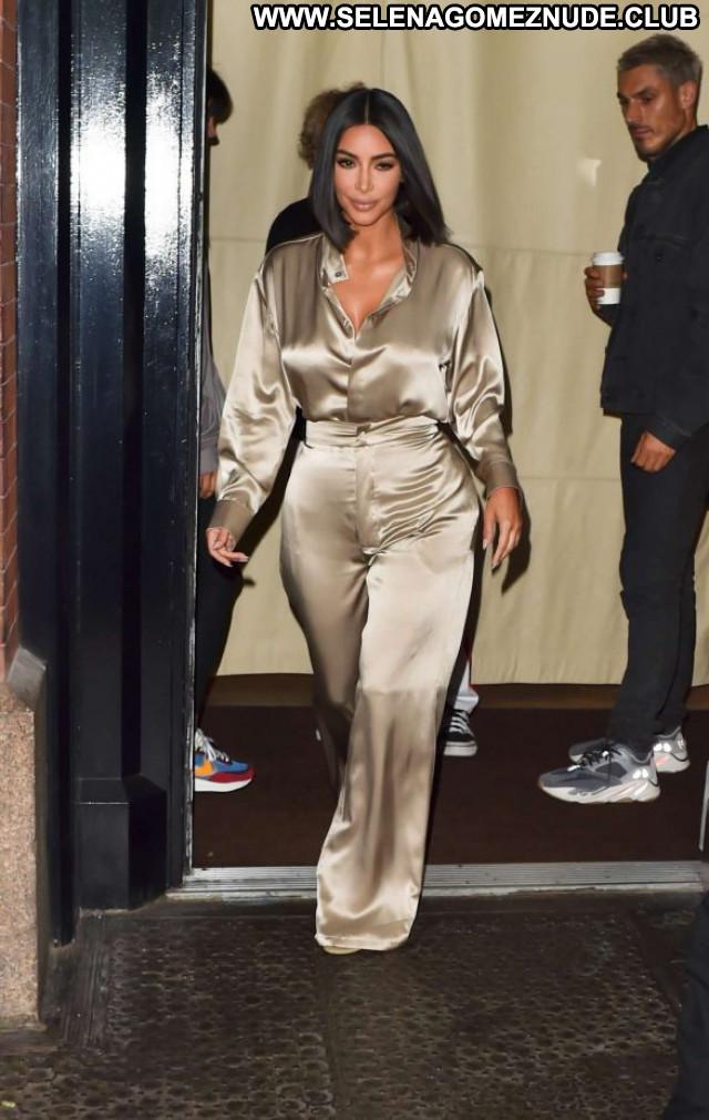 Kim Kardashian New York Celebrity Beautiful Paparazzi Babe Posing Hot