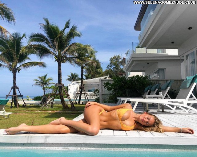 Faith Schroder No Source  Celebrity Beautiful Posing Hot Babe Sexy