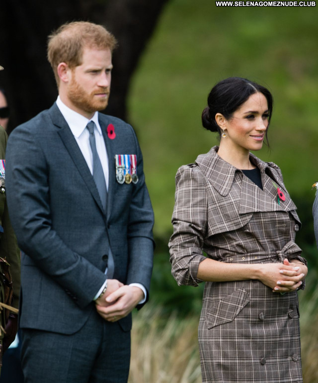 Meghan Markle No Source Sexy Beautiful Babe Posing Hot Celebrity