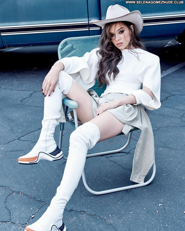 Hailee Steinfeld No Source Beautiful Posing Hot Sexy Celebrity Babe