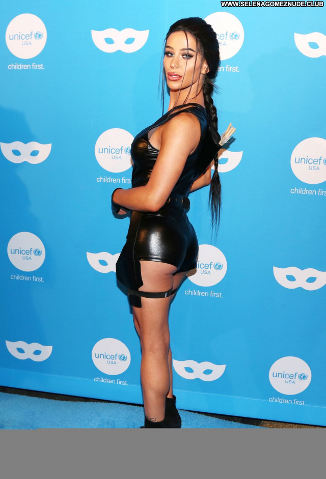 Gigi Gorgeous No Source Sexy Babe Beautiful Posing Hot Celebrity