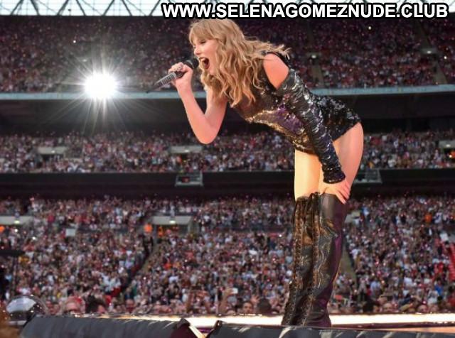 Taylor Swift Rolling Stone Magazine Oct Beautiful Babe Posing Hot