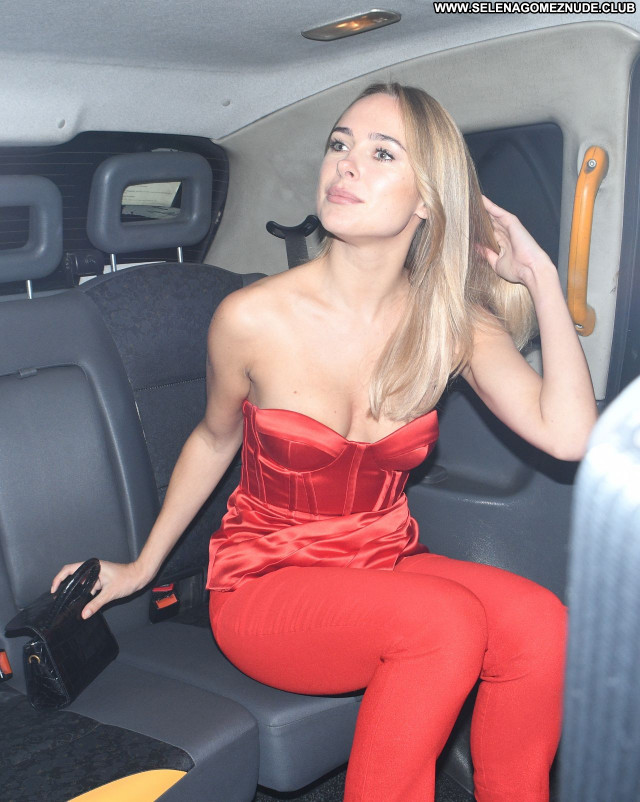 Kimberley Garner No Source Sexy Celebrity Beautiful Babe Posing Hot