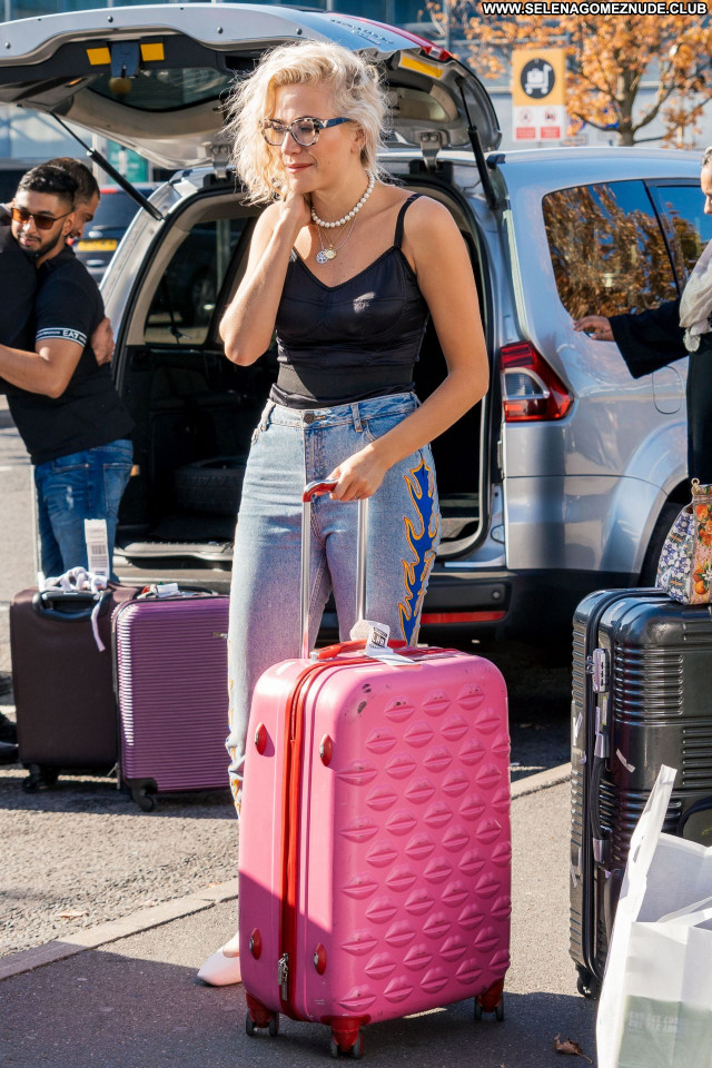 Pixie Lott No Source Babe Beautiful Sexy Celebrity Posing Hot