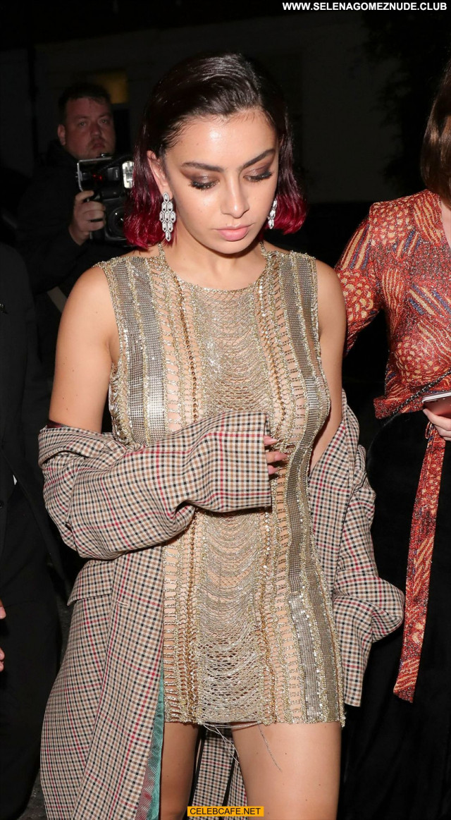 Charli Xcx Gq Men Of The Year Awards Babe See Through Braless