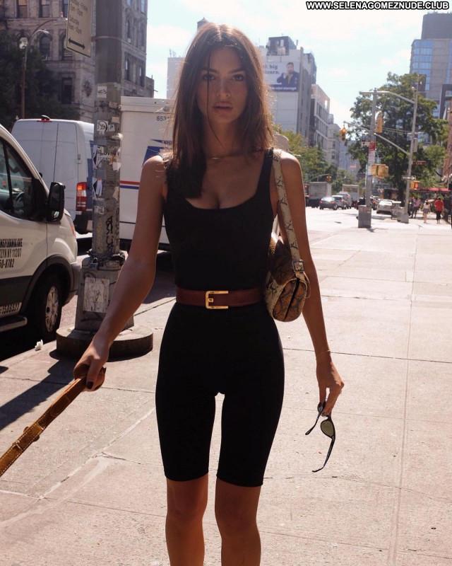 Emily Ratajkowski No Source  Posing Hot Sexy Babe Beautiful Celebrity