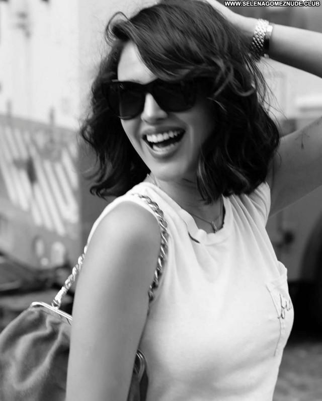 Jessica Biel West Hollywood Babe Posing Hot Paparazzi Beautiful