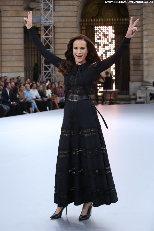 Andie Macdowell No Source Beautiful Posing Hot Sexy Babe Celebrity