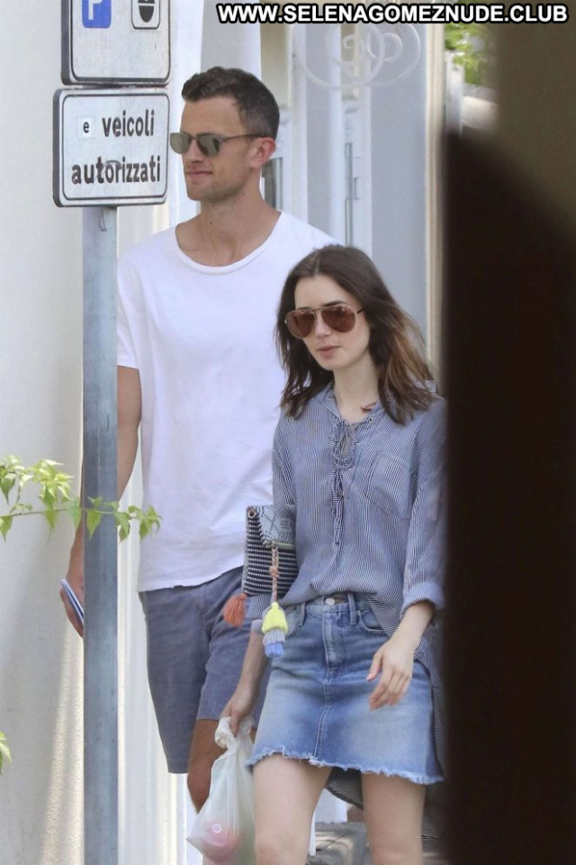 Lily Collins No Source Paparazzi Celebrity Babe Posing Hot Beautiful