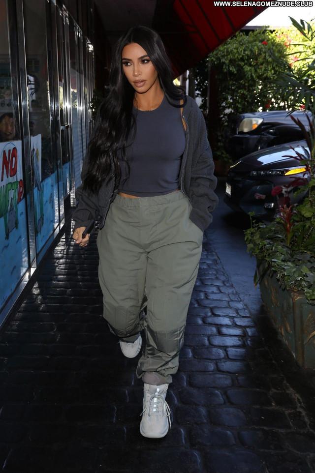 Kim Kardashian No Source Posing Hot Sexy Babe Celebrity Beautiful