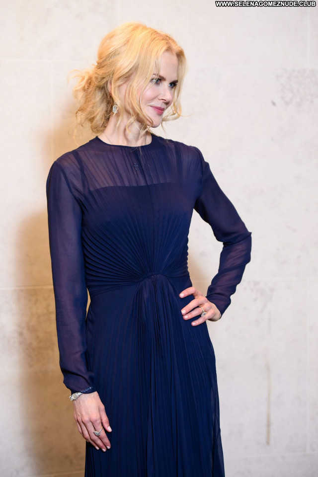 Nicole Kidman No Source Sexy Posing Hot Celebrity Beautiful Babe