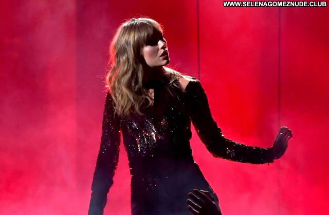 Taylor Swift No Source Beautiful Celebrity Posing Hot Babe Sexy