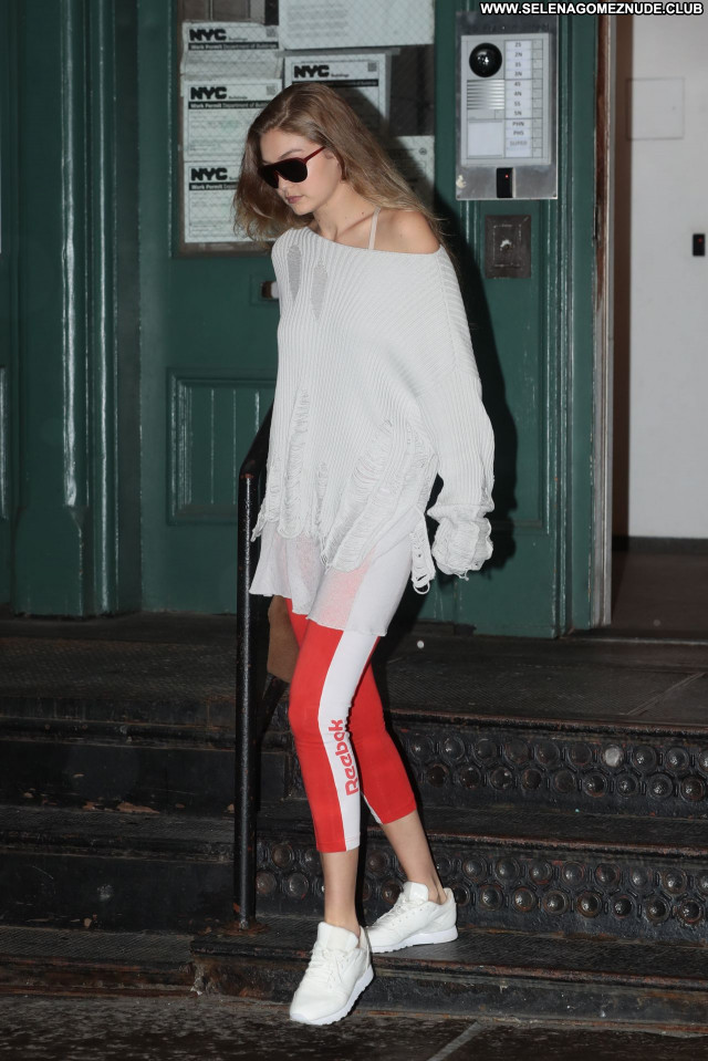 Gigi Hadid No Source Sexy Celebrity Posing Hot Beautiful Babe